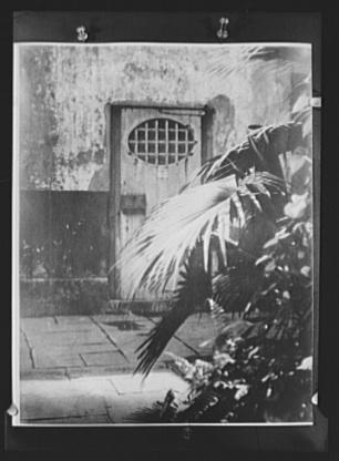 Arnold Genthe, Slave Prison (Calabozo), New Orleans, circa 1920-1926
