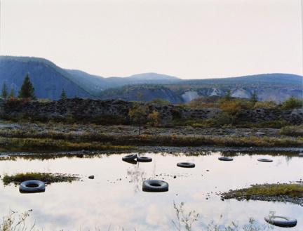 Untitled (Tires), 2002. © Anna Shteynshleyger