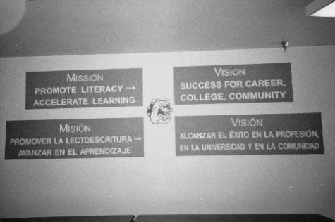 Bilingual Signs © Andreina, IDRA/Albuquerque Public School District, Critical Exposure Photography Project