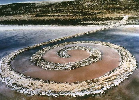 Spiral Jetty, 1970. Robert Smithson (EUA 1938-1973). Great Salt Lake , Utah