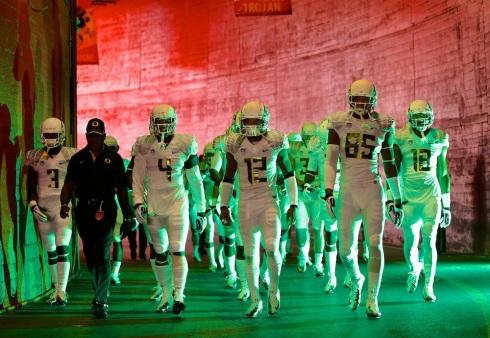 The Oregon Ducks play the University of Southern California in Los Angeles, California, on Fri, Nov 2, 2012