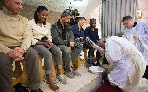 pope_feet_1_3255867b